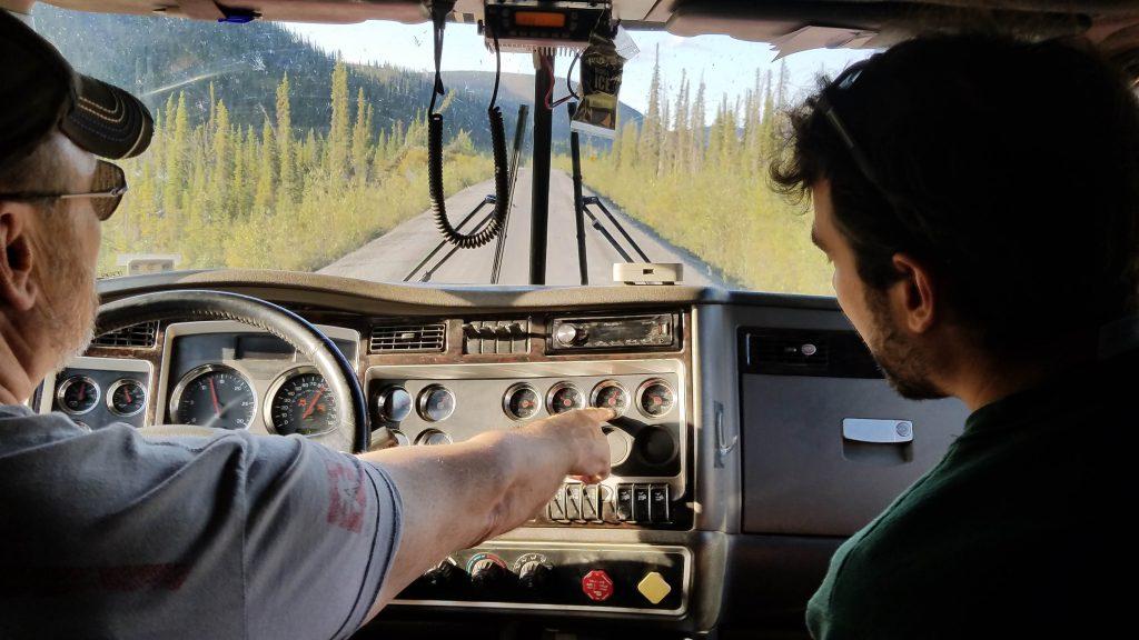 搭便車搭到油罐車Kelly加拿大共乘共享經濟