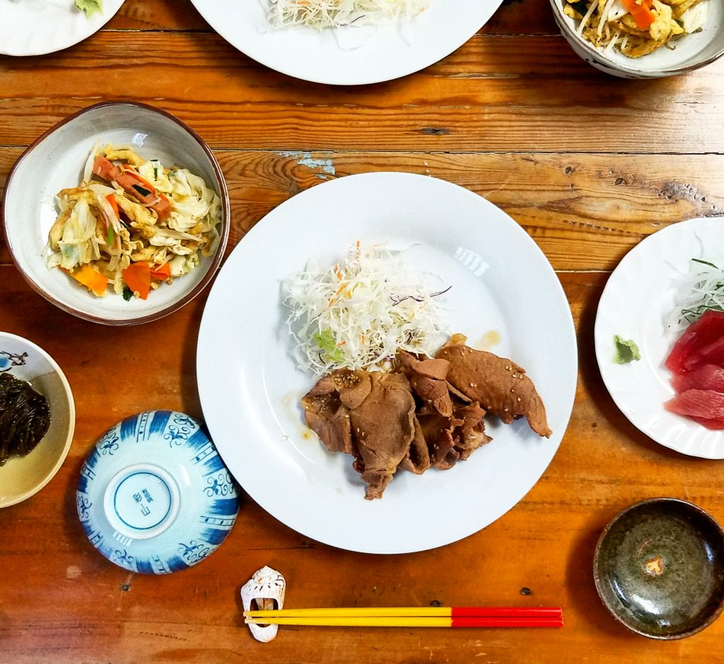 dinner at Nankuru Bed and Breakfast Kuroshima Japan 日本黑島南來民宿晚餐