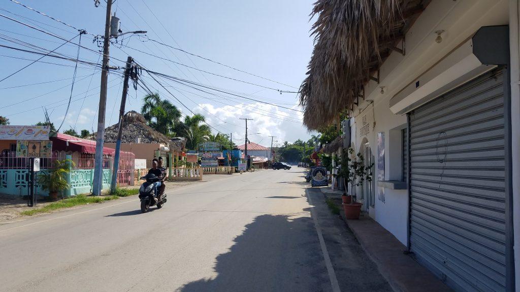 entering-Las-Galeras