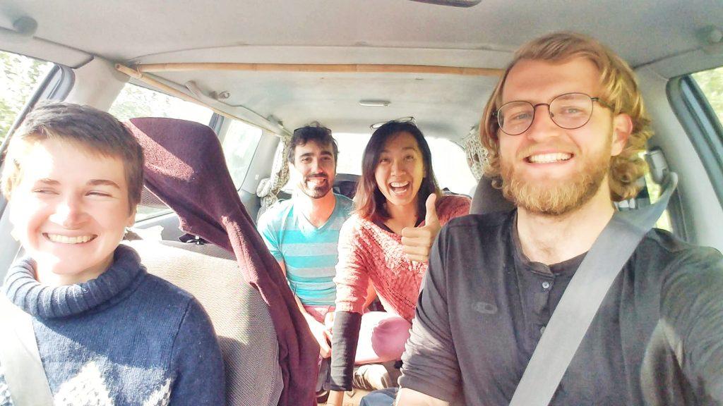 carpooling hitchhiking 一邊共乘搭便車一邊遠端工作